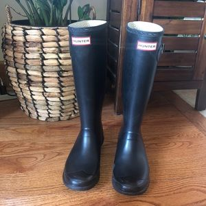 Women's Hunter Rain Boots 7 wide top